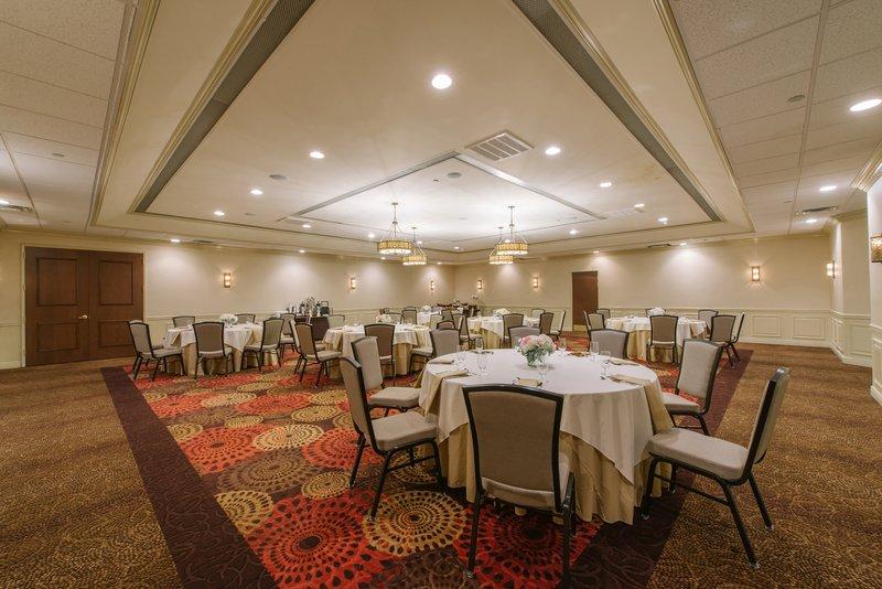 Holiday Inn Mt. Kisco-Kisco Room set for your next social or business gathering<br/>Image from Leonardo