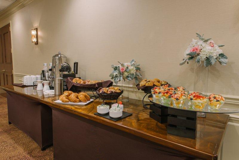 Holiday Inn Mt. Kisco-Brunch offerings<br/>Image from Leonardo
