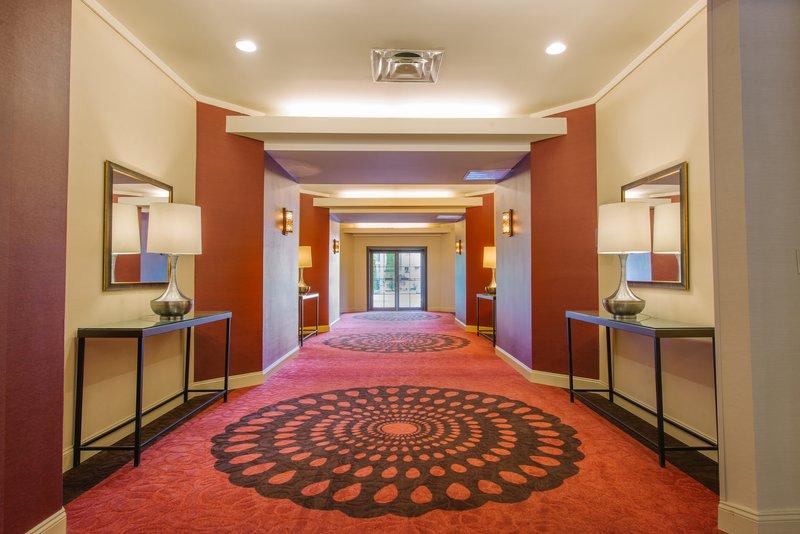 Holiday Inn Mt. Kisco-Reception Area<br/>Image from Leonardo