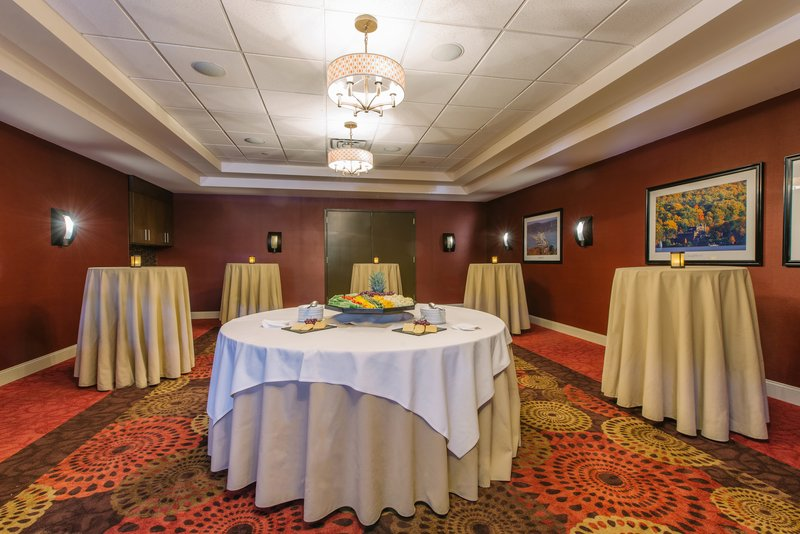 Holiday Inn Mt. Kisco-Cisqua East set for your Pre-function event<br/>Image from Leonardo