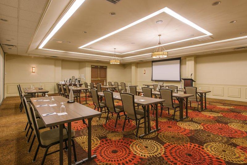 Holiday Inn Mt. Kisco-Kisco Room comfortably seats 80 in the Classroom format<br/>Image from Leonardo