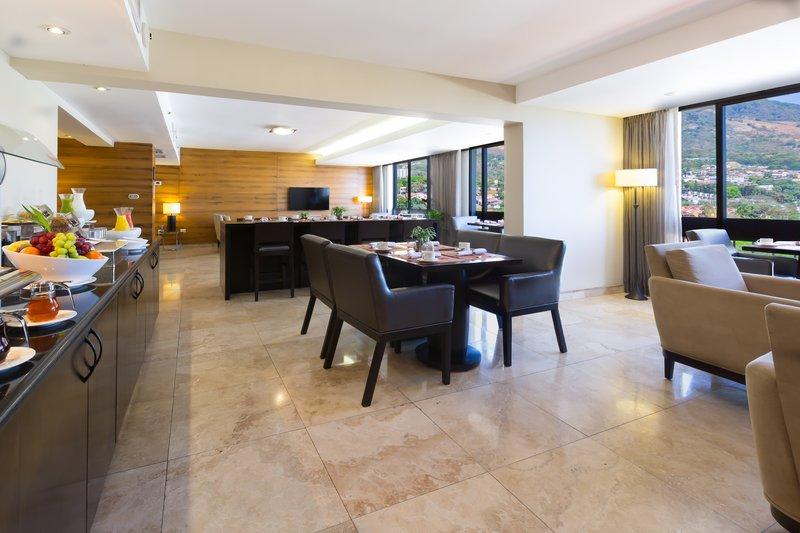 Crowne Plaza San Salvador-Club Floor Lounge<br/>Image from Leonardo