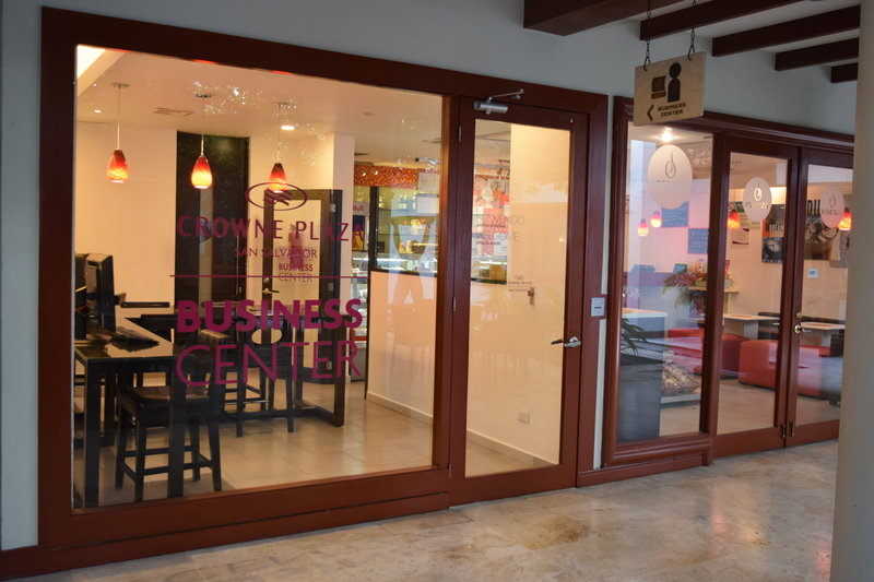 Crowne Plaza San Salvador-Business Center<br/>Image from Leonardo