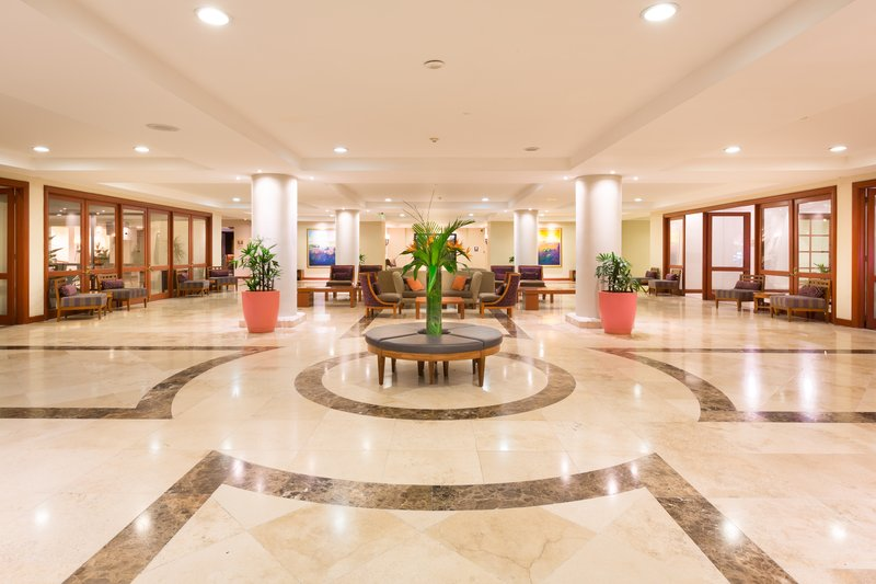 Crowne Plaza San Salvador-Lobby<br/>Image from Leonardo