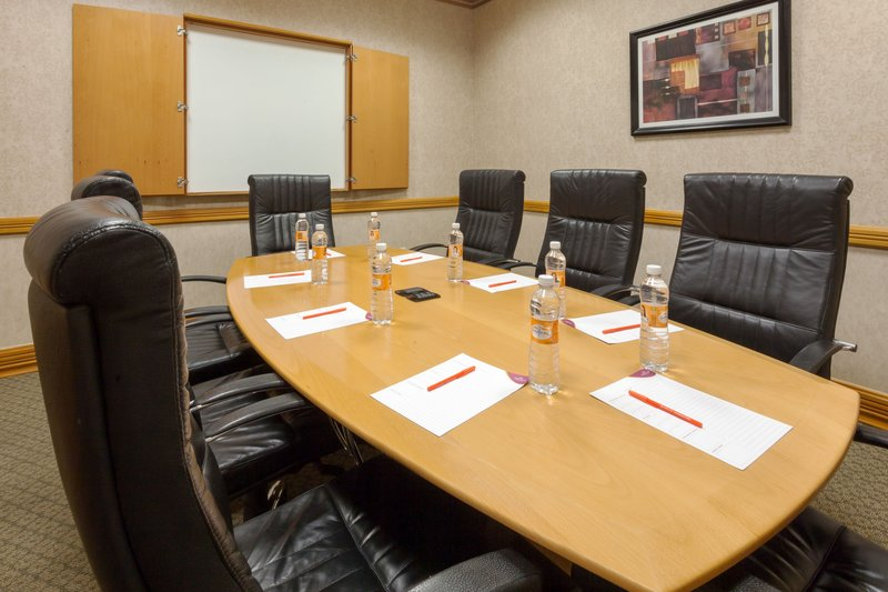 Crowne Plaza Torreon-Hold a meeting in the Executive Boardroom<br/>Image from Leonardo