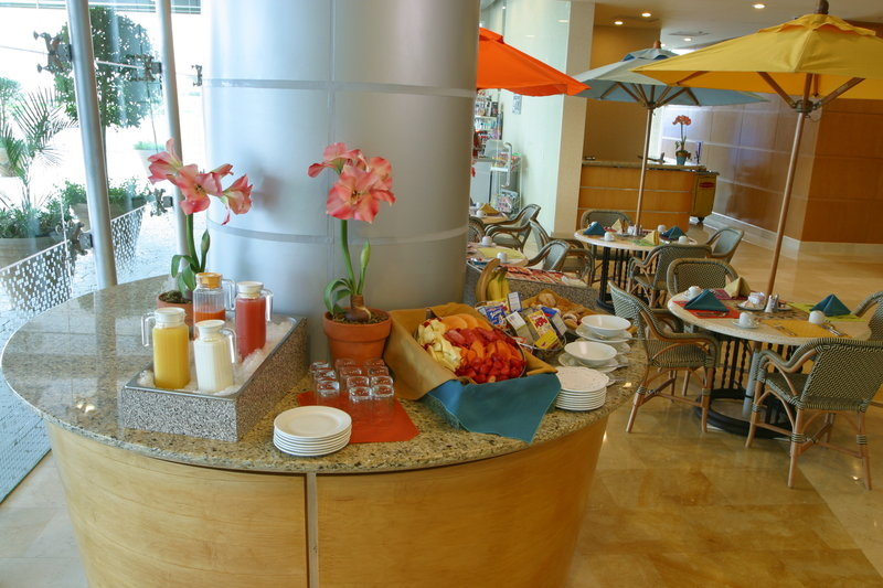 Crowne Plaza Torreon-Breakfast Bar<br/>Image from Leonardo