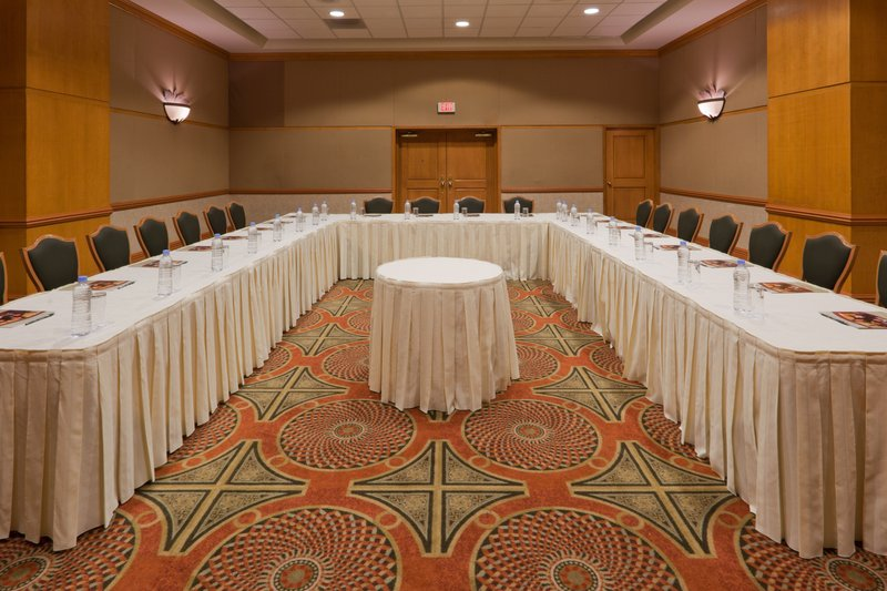 Crowne Plaza Torreon-Meeting Room<br/>Image from Leonardo