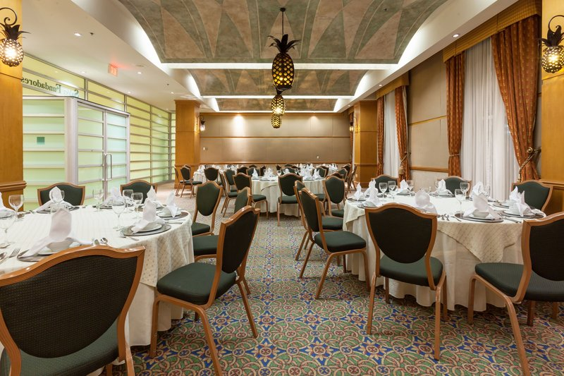 Crowne Plaza Torreon-Enjoy a delicious meal in the Banquet Hall<br/>Image from Leonardo