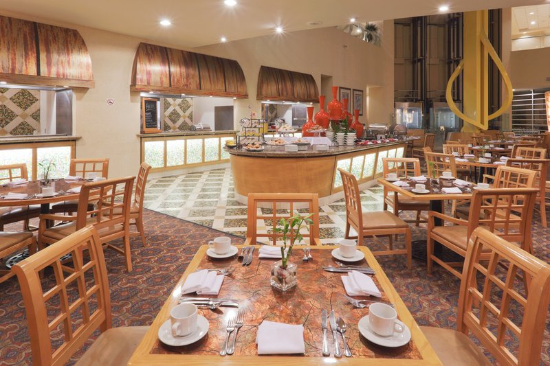 Crowne Plaza Torreon-Restaurant<br/>Image from Leonardo