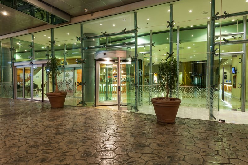 Crowne Plaza Torreon-Entrance<br/>Image from Leonardo