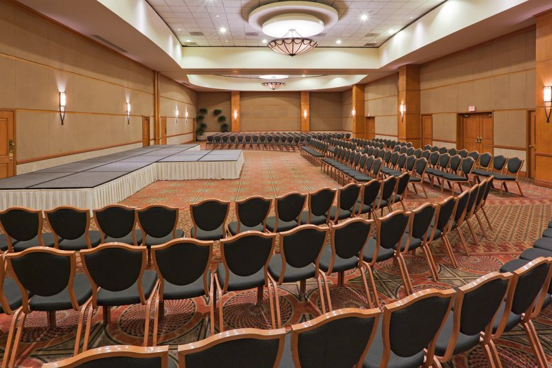 Crowne Plaza Torreon-Ballroom<br/>Image from Leonardo