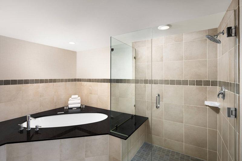Delta Hotel Calgary South-Club Jacuzzi Suite Bathroom<br/>Image from Leonardo