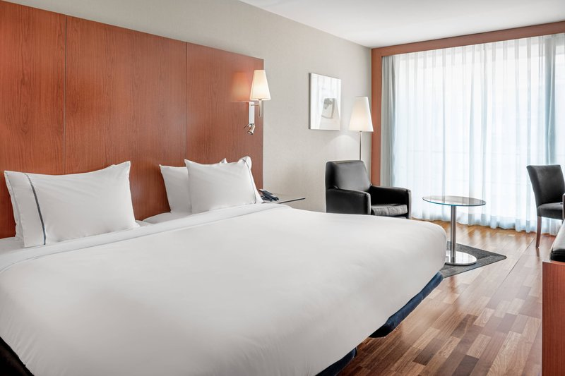 AC La Rioja-King Guest Room<br/>Image from Leonardo