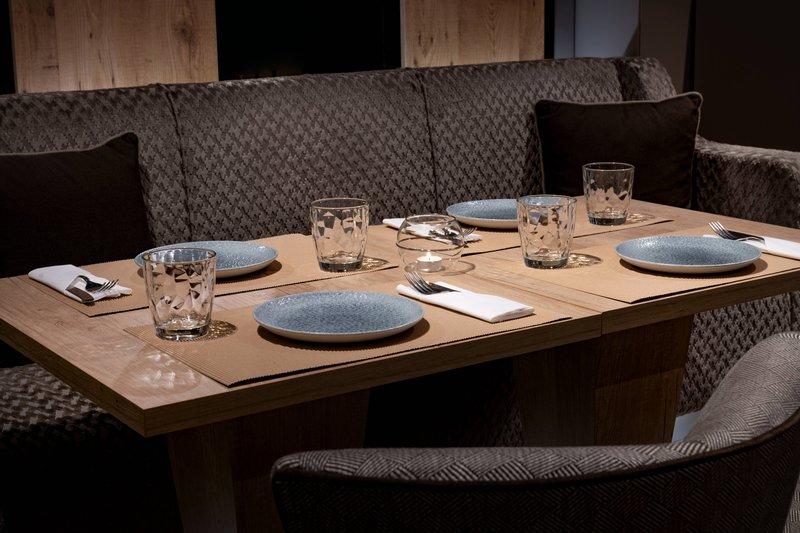 AC La Rioja-AC Lounge - Table Detail<br/>Image from Leonardo
