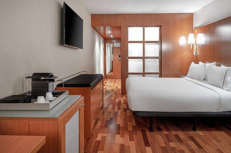 AC La Rioja-King Superior Guest Room<br/>Image from Leonardo
