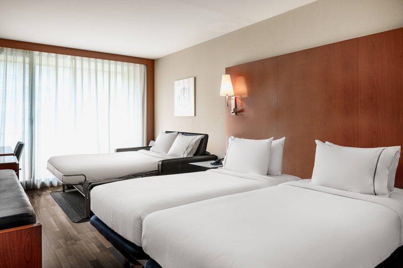 AC La Rioja-Twin/Twin Triple Guest Room<br/>Image from Leonardo