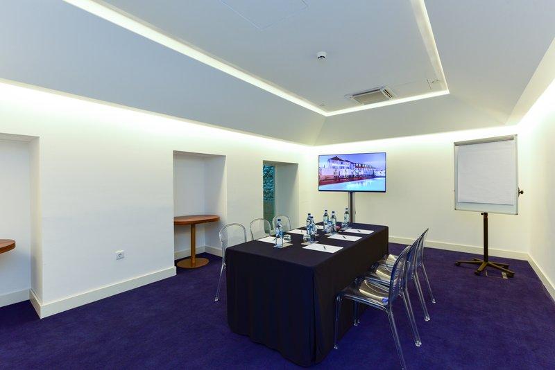 Palacio Do Governador-Meeting Room Sao Gabriel<br/>Image from Leonardo