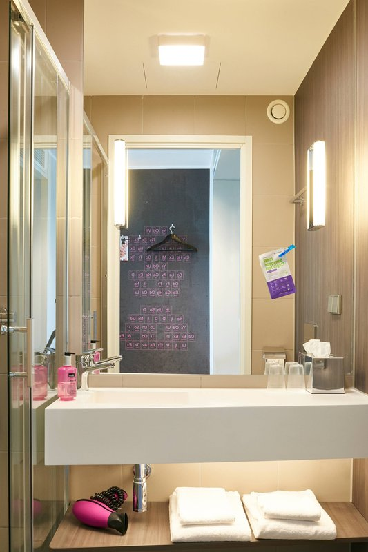 Moxy Milan Linate Airport-Moxy Bathroom - Vanity<br/>Image from Leonardo