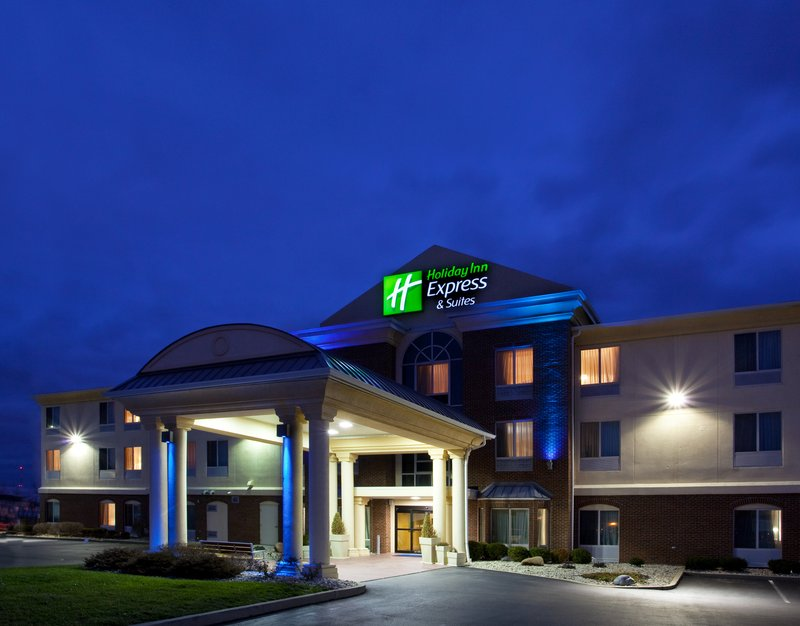 Holiday Inn Express & Suites Cincinnati - Blue Ash-Hotel Exterior<br/>Image from Leonardo