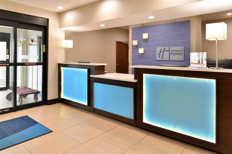 Holiday Inn Express & Suites Cincinnati - Blue Ash-Entrance<br/>Image from Leonardo
