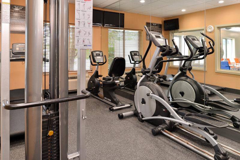Holiday Inn Express & Suites Cincinnati - Blue Ash-Fitness Center<br/>Image from Leonardo