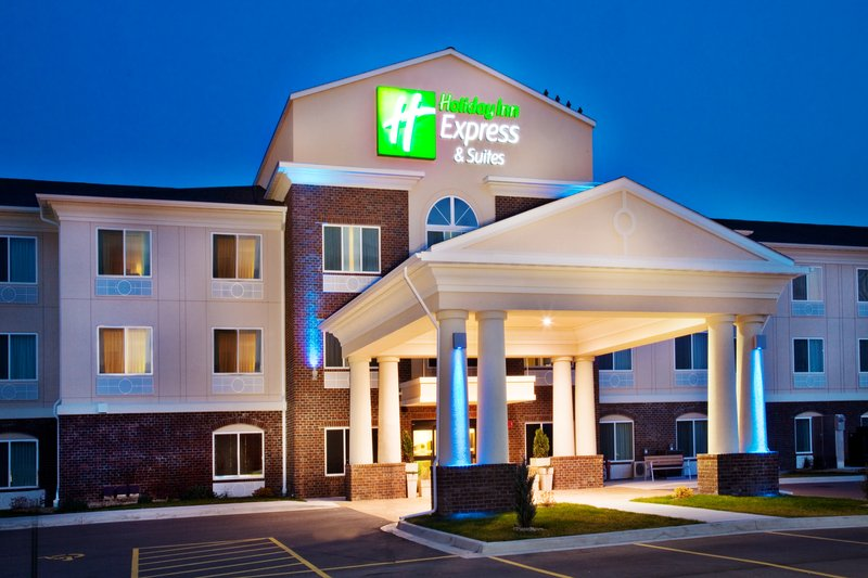 Holiday Inn Express Hotel & Suites Dubuque - West-Holiday Inn Express & Suites Dubuque, IA Hotel Exterior<br/>Image from Leonardo