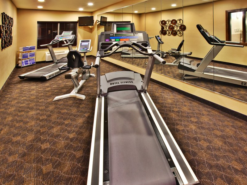 Holiday Inn Express Hotel & Suites Dubuque - West-Holiday Inn Express & Suites Dubuque, IA Fitness Center<br/>Image from Leonardo