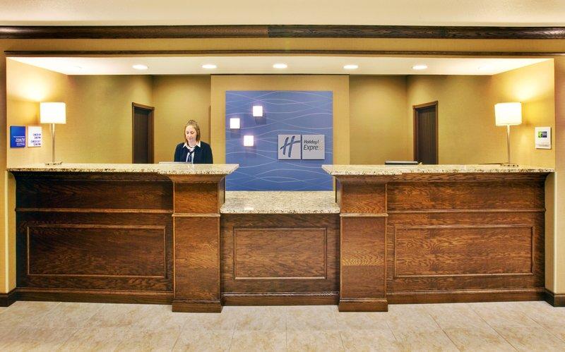 Holiday Inn Express Hotel & Suites Dubuque - West-Holiday Inn Express & Suites Dubuque, IA Front desk<br/>Image from Leonardo
