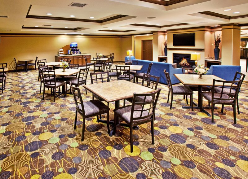 Holiday Inn Express Hotel & Suites Dubuque - West-Holiday Inn Express & Suites Dubuque, IA Breakfast Area<br/>Image from Leonardo