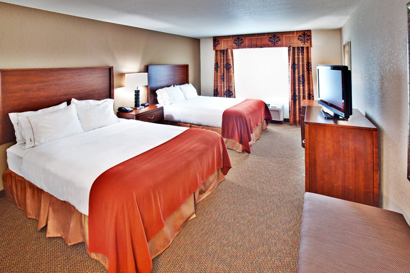 Holiday Inn Express Hotel & Suites Dubuque - West-Holiday Inn Express & Suites Dubuque, IA Guest Room<br/>Image from Leonardo