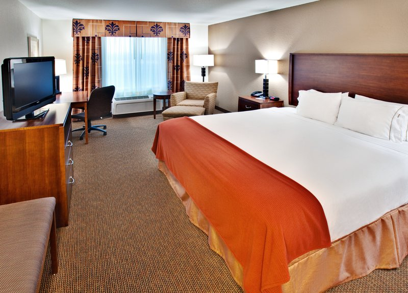 Holiday Inn Express Hotel & Suites Dubuque - West-Holiday Inn Express and Suites, Dubuque IA Single Bed Guest Room<br/>Image from Leonardo