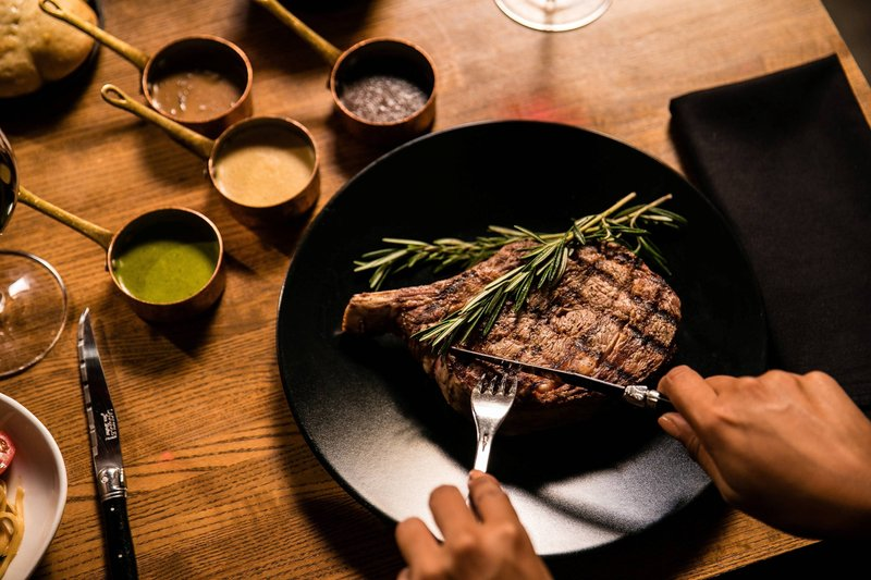 Renaissance Aruba Resort & Casino - LG Smiths - Steak <br/>Image from Leonardo