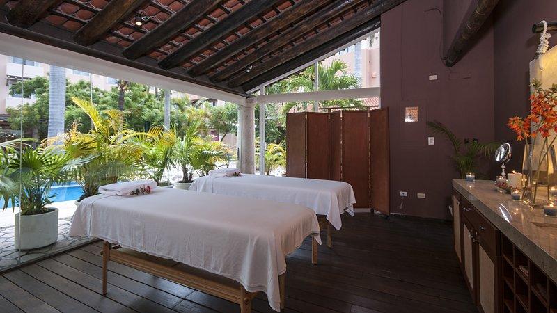 Holiday Inn Ciudad Del Carmen-Spa<br/>Image from Leonardo