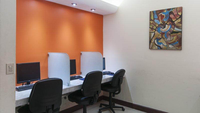 Holiday Inn Ciudad Del Carmen-Business Center<br/>Image from Leonardo