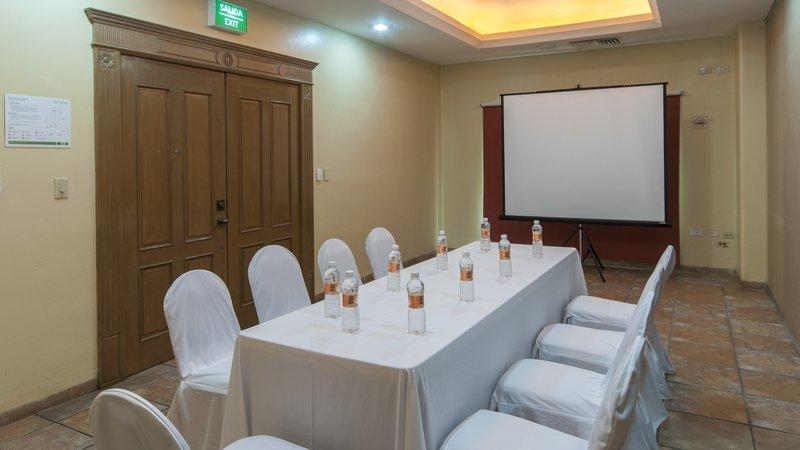 Holiday Inn Ciudad Del Carmen-Conference Room<br/>Image from Leonardo