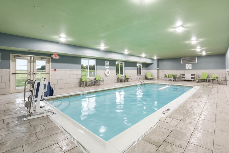 Holiday Inn Express Suites Jasper-Swimming Pool<br/>Image from Leonardo