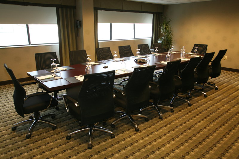 Holiday Inn Knoxville Downtown-Conference Room<br/>Image from Leonardo
