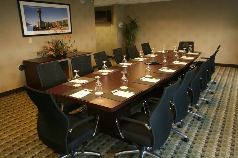 Holiday Inn Knoxville Downtown-Mt. Laurel Boardroom<br/>Image from Leonardo