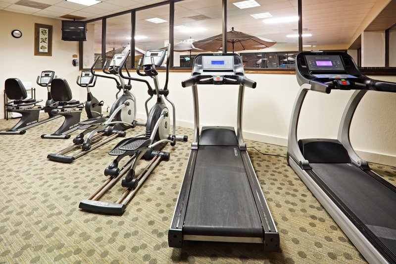 Holiday Inn Knoxville Downtown-Fitness Center<br/>Image from Leonardo