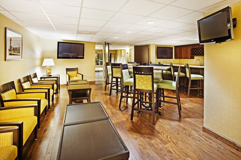 Holiday Inn Knoxville Downtown-Executive Floor Lounge and Breakfast Area<br/>Image from Leonardo