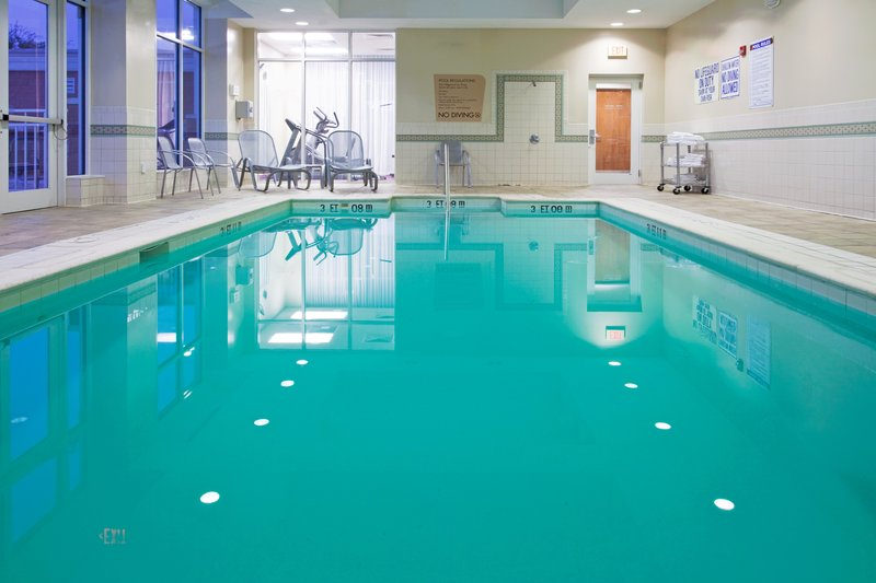 Holiday Inn Santee-Swimming Pool<br/>Image from Leonardo
