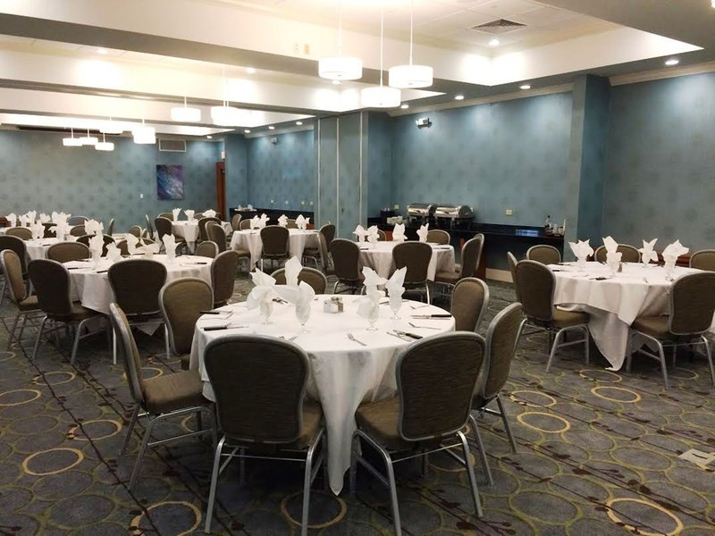 Holiday Inn Santee-Ballroom<br/>Image from Leonardo