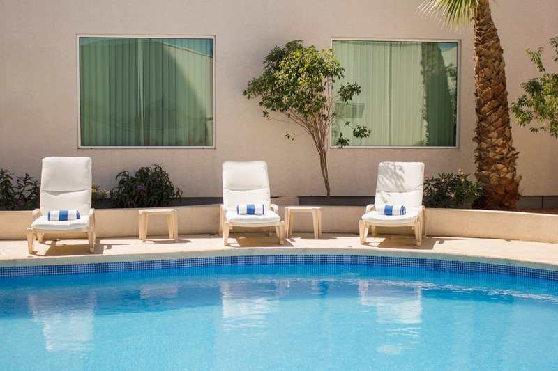 Holiday Inn Hotel & Suites Hermosillo Aeropuerto-Swimming pool photo<br/>Image from Leonardo