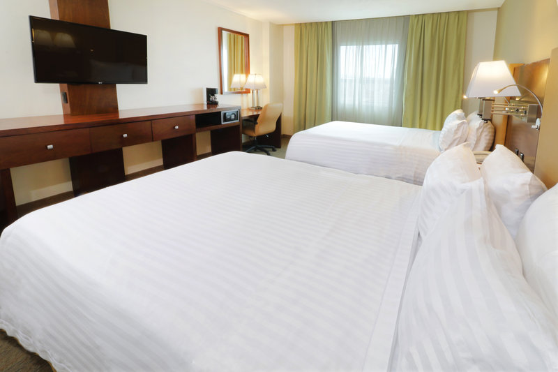 Holiday Inn Hotel & Suites Hermosillo Aeropuerto-Queen Bed Guest Room<br/>Image from Leonardo