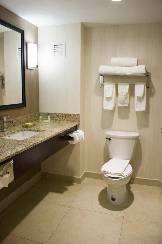 Holiday Inn Hotel & Suites Hermosillo Aeropuerto-Guest Bathroom<br/>Image from Leonardo