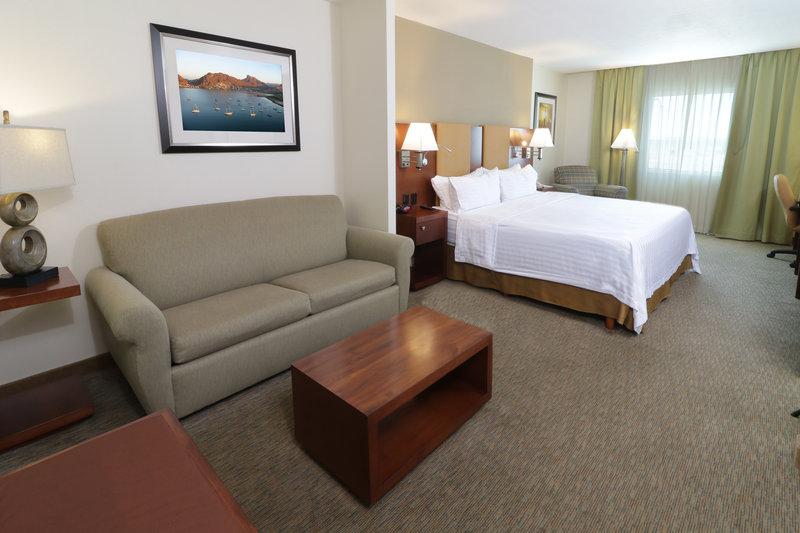 Holiday Inn Hotel & Suites Hermosillo Aeropuerto-Junior Suite<br/>Image from Leonardo