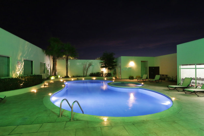 Holiday Inn Hotel & Suites Hermosillo Aeropuerto-Swimming Pool<br/>Image from Leonardo