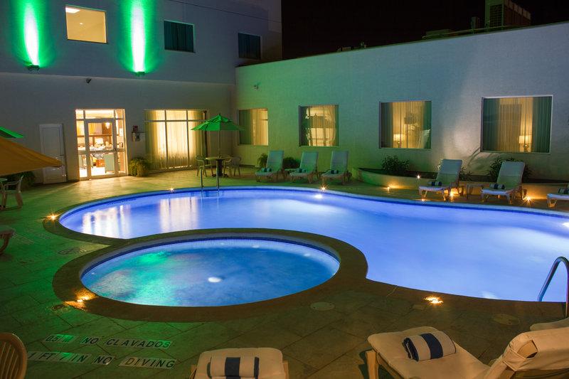 Holiday Inn Hotel & Suites Hermosillo Aeropuerto-Alberca<br/>Image from Leonardo