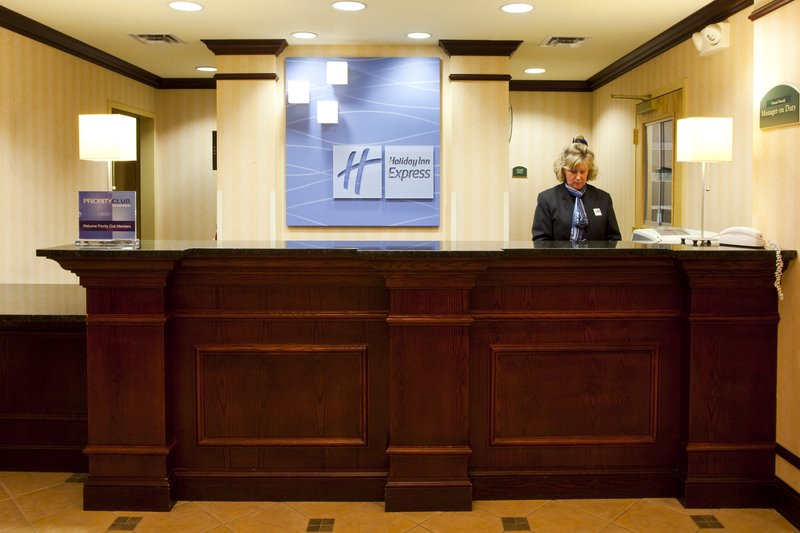 Holiday Inn Express Syracuse Airport-Shopping package available. Close To Destiny USA<br/>Image from Leonardo