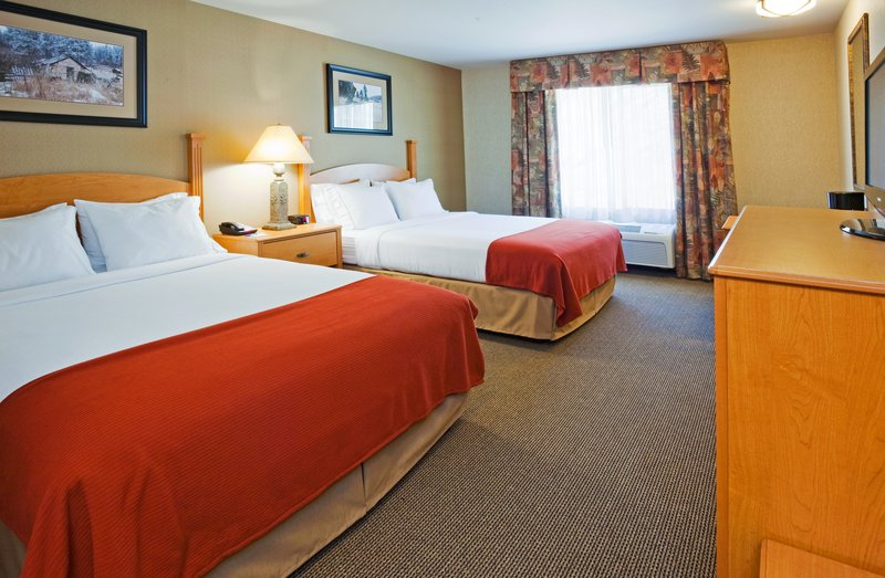Holiday Inn Express & Suites Custer-Standard Two Queen<br/>Image from Leonardo